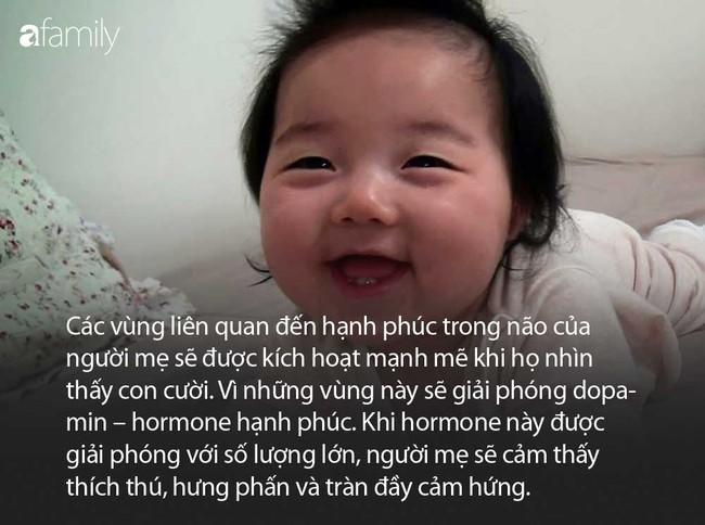 Khoa học giải thích vì sao các mẹ lại quên hết mệt nhọc mỗi khi nhìn thấy con cười - Ảnh 2.