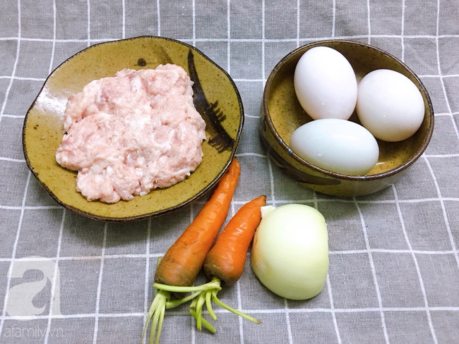 Thử ngay món mới cho bữa tối hôm nay: Chả hấp trứng muối ngon bất ngờ! - Ảnh 1.