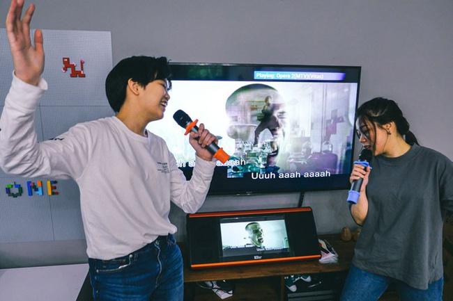 Hát karaoke thời dịch Covid-19 đang bùng phát: Chuyên gia lưu ý! - Ảnh 3.