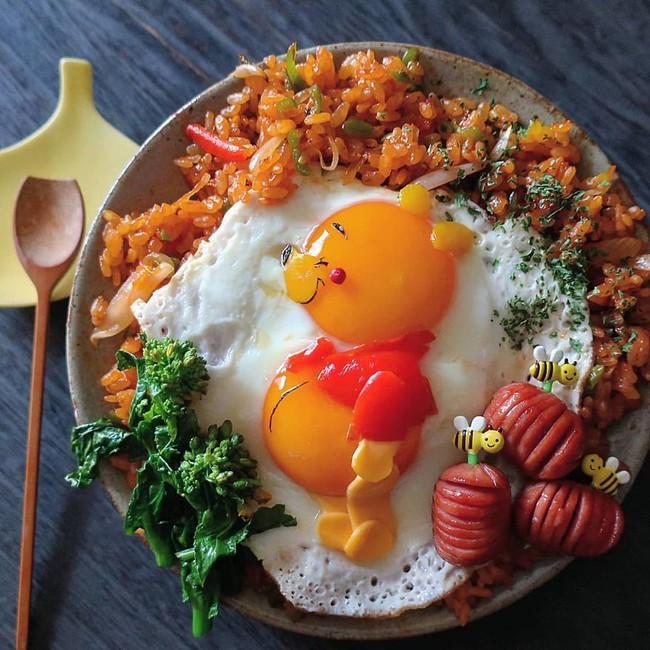 """""""Học lỏm"""" mẹ Nhật cách biến trứng chiên thành món ăn siêu hấp dẫn mà ai nhìn thấy cũng phải thèm thuồng - Ảnh 1."""