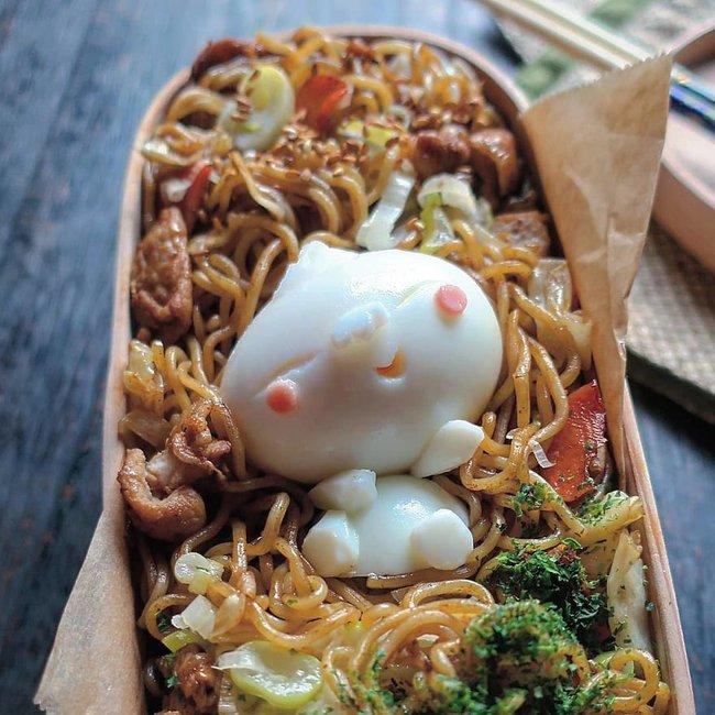 """""""Học lỏm"""" mẹ Nhật cách biến trứng chiên thành món ăn siêu hấp dẫn mà ai nhìn thấy cũng phải thèm thuồng - Ảnh 4."""