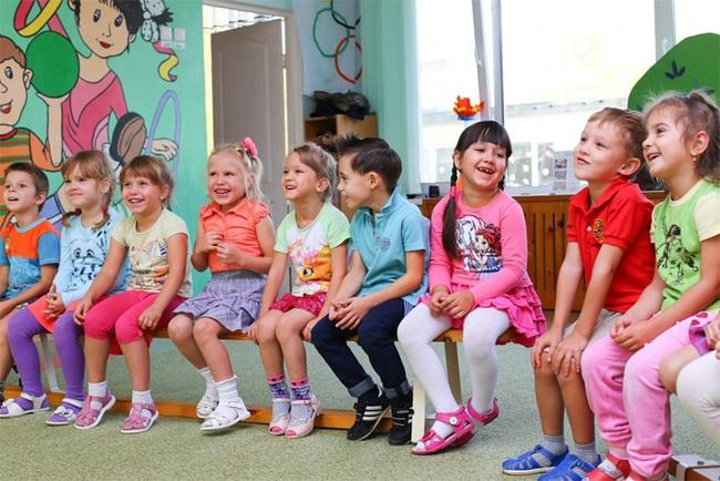 Trường mẫu giáo Đức dạy trẻ suy nghĩ độc lập chỉ bằng hai câu, rất đáng để suy ngẫm - Ảnh 1.