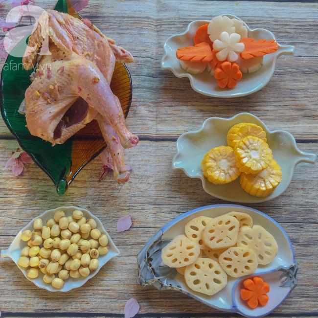 Bồi bổ sức khỏe phòng dịch bệnh với món gà hầm sen ngọt thơm  - Ảnh 2.