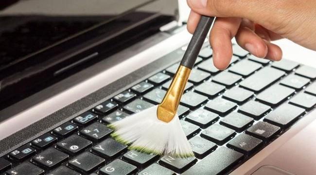 Chuyên gia chỉ cách tiêu diệt vi khuẩn và mầm bệnh trên bàn phím máy tính hiệu quả nhất - Ảnh 3.