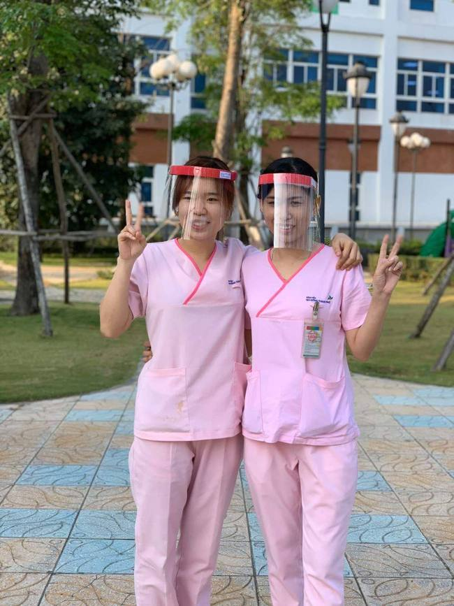 TP.HCM: Ngộ nghĩnh kính bảo hộ 5.000 đồng được bác sĩ khoa Nhiễm làm ra hỗ trợ phòng chống Covid-19 - Ảnh 3.