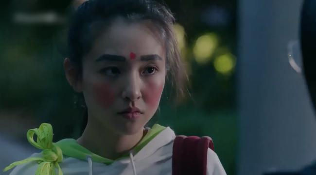 """""""Lê hấp đường phèn"""" đạt No.1 bảng vàng rating, Douban cực khủng, nữ chính Ngô Thiến từ xinh đẹp trở nên xấu xí  - Ảnh 8."""