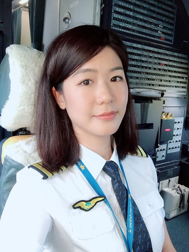 """Lâu lắm chẳng được đi bay, nữ cơ trưởng Huỳnh Lý Đông Phương gây """"sốc"""" tự thấy bản thân có chút """"điên rồ"""" và lại thường xuyên kiếm chuyện với người khác - Ảnh 1."""