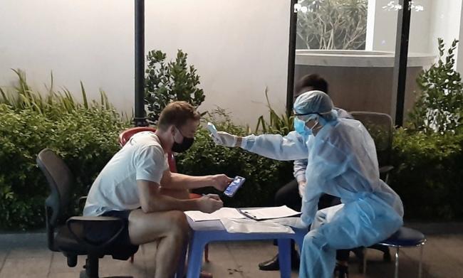 Chị của nhân viên bar Buddha thành ca bệnh Covid-19 số 152, TP.HCM ra thông báo khẩn để cắt đứt chuỗi lây nhiễm này - Ảnh 2.