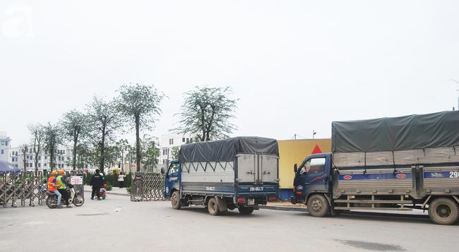 Hà Nội: Kiểm tra y tế tất cả những người qua cổng vào khu đô thị - Ảnh 15.