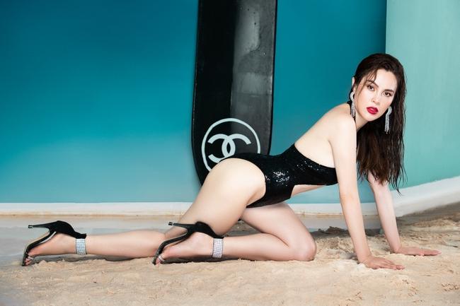 """""""Hoa hậu ba con"""" Phương Lê diện swimsuit sexy khoe vóc dáng, thần thái ngút ngàn - Ảnh 9."""