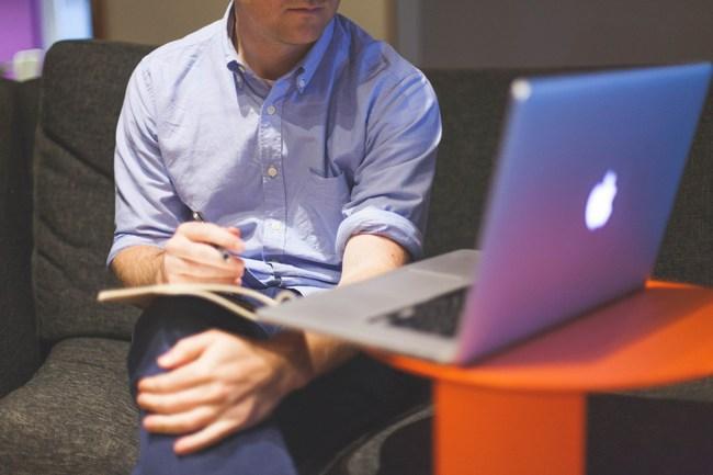 Phải làm việc tại nhà vì dịch Covid-19, đây là những bước dân công sở cần chuẩn bị để có những cuộc họp online hiệu quả - Ảnh 3.
