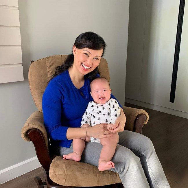 Cưng cô con gái út như trứng mỏng, Shark Linh tự tin hé lộ điểm giống nhau không thể chối cãi của hai mẹ con - Ảnh 1.