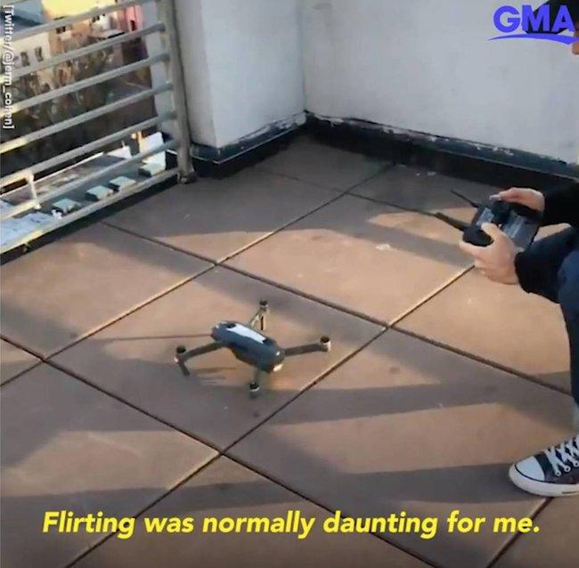 """Thấy cô gái có hành động kỳ cục trên sân thượng lúc ở nhà cách ly, chàng trai thực hiện """"chiến dịch kỳ lạ"""" và cái kết cuối cùng rất đặc biệt - Ảnh 5."""