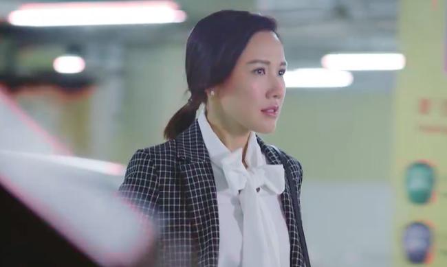 """""""Bằng chứng thép 4"""" tập cuối: TVB tung cảnh 18+ nhạy cảm, Lý Thi Hoa đang ân ái bỗng dừng lại vì điều không ngờ  - Ảnh 2."""