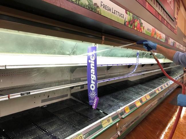 Vô duyên vô cớ, siêu thị phải đổ thi hàng tấn thực phẩm sạch trị giá gần 1 tỷ đồng vì hành động thiếu ý thức của một người phụ nữ - Ảnh 6.