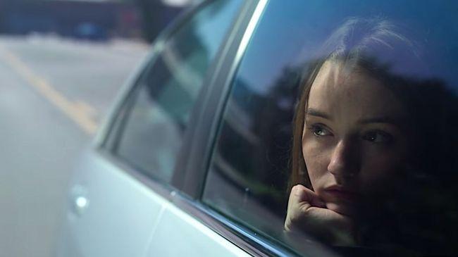 Vụ cưỡng bức của thiếu nữ 18 tuổi: Bị chính người nuôi dưỡng mình nghi ngờ và nhận tội, ôm hết tủi nhục theo yêu cầu của cảnh sát - Ảnh 1.