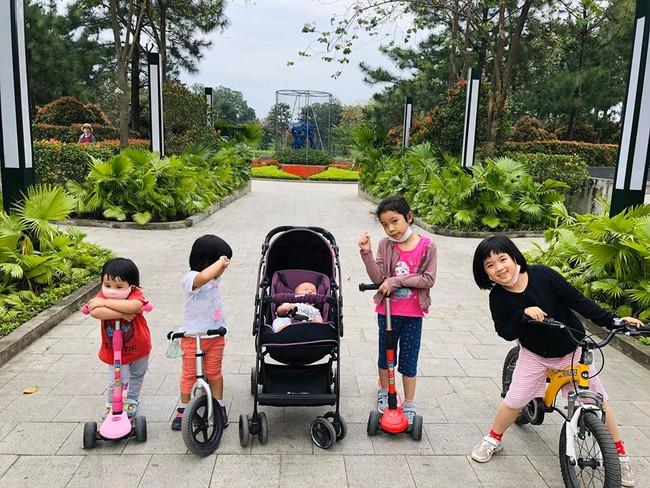 Giận mẹ, con gái MC Minh Trang không nói không rằng nhưng đã có 1 hành động đủ khiến trái tim mẹ tan chảy - Ảnh 1.