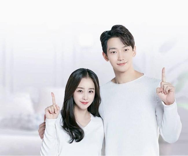 """Vợ chồng Kim Tae Hee - Bi Rain hiếm hoi lắm mới chụp ảnh cùng nhau thế nhưng lại bị photoshop đến mức """"khủng khiếp"""" thế này - Ảnh 1."""