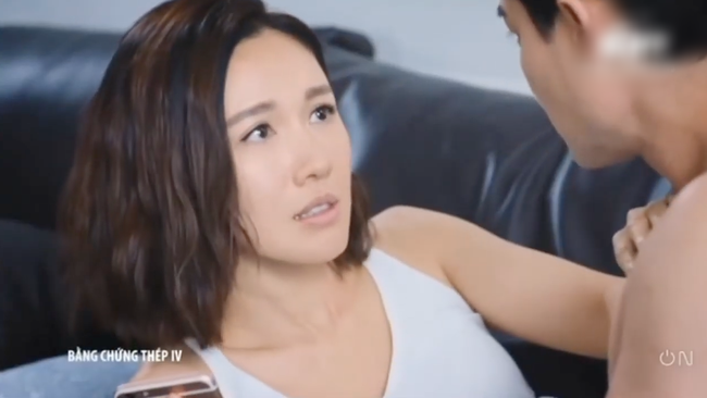 """""""Bằng chứng thép 4"""" tập cuối: TVB tung cảnh 18+ nhạy cảm, Lý Thi Hoa đang ân ái bỗng dừng lại vì điều không ngờ  - Ảnh 11."""