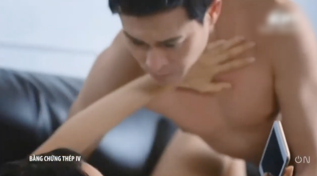 """""""Bằng chứng thép 4"""" tập cuối: TVB tung cảnh 18+ nhạy cảm, Lý Thi Hoa đang ân ái bỗng dừng lại vì điều không ngờ  - Ảnh 10."""