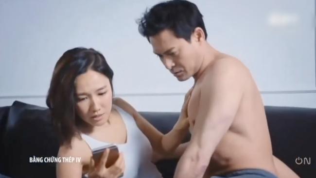 """""""Bằng chứng thép 4"""" tập cuối: TVB tung cảnh 18+ nhạy cảm, Lý Thi Hoa đang ân ái bỗng dừng lại vì điều không ngờ  - Ảnh 12."""