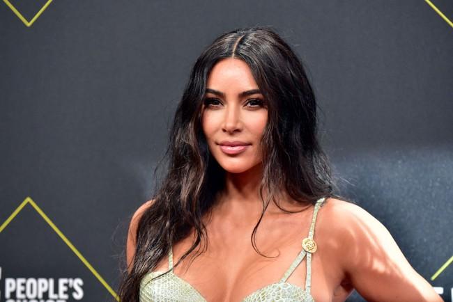 """Vén màn công thức bí mật giúp Kim Kardashian từ """"người hầu"""" theo sau Paris Hilton trở thành nữ hoàng tạo nên """"đế chế tỷ đô"""" - Ảnh 11."""