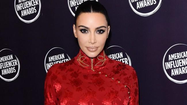 """Vén màn công thức bí mật giúp Kim Kardashian từ """"người hầu"""" theo sau Paris Hilton trở thành nữ hoàng tạo nên """"đế chế tỷ đô"""" - Ảnh 14."""