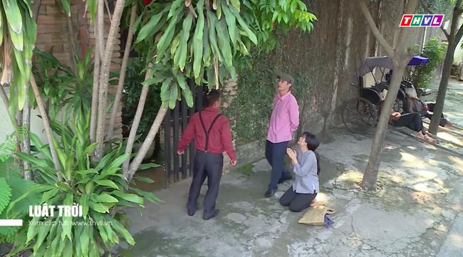"""""""Luật trời"""": Trang - Ngọc Lan bị đánh giữa đường, cùng quẫn mới sa chân vào ổ quỷ làm gái ngành - Ảnh 4."""