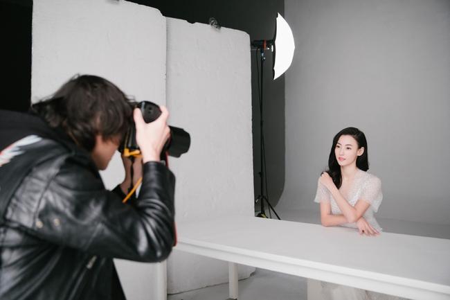 Hình hậu trường chụp quảng cáo của Trương Bá Chi khiến mọi người bất ngờ - Ảnh 10.