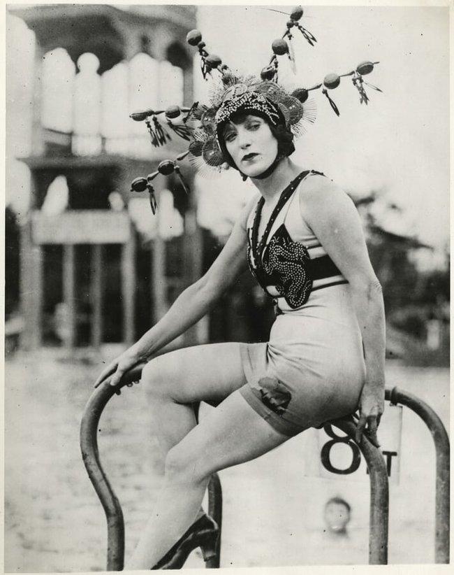 """Cuộc đời không sống theo chuẩn bị xã hội của """"người phụ nữ hoàn hảo"""", tiên phong mặc đồ bơi bó sát và diễn cảnh nóng trên màn bạc thế giới - Ảnh 9."""