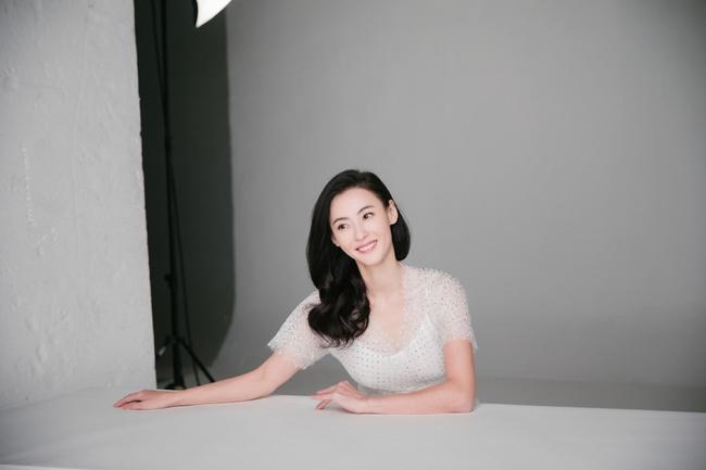 Hình hậu trường chụp quảng cáo của Trương Bá Chi khiến mọi người bất ngờ - Ảnh 9.