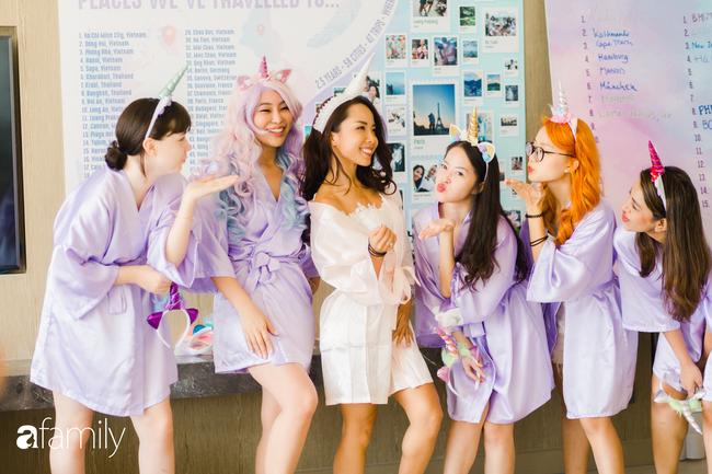 """My Lan Nguyễn - Cô gái có cuộc tình như mơ từ FB và sự """"đấu tranh"""" với phụ huynh để mặc váy cưới đuôi cá màu tím, đội sừng Unicorns trong hôn lễ của chính mình - Ảnh 21."""