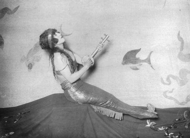 """Cuộc đời không sống theo chuẩn bị xã hội của """"người phụ nữ hoàn hảo"""", tiên phong mặc đồ bơi bó sát và diễn cảnh nóng trên màn bạc thế giới - Ảnh 6."""