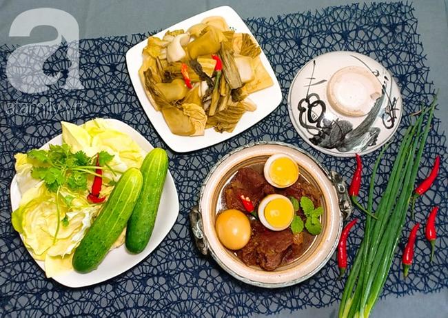 Mẹ đảm Sài Gòn chia sẻ mâm cơm 2 món lạ miệng dễ nấu, vụng mấy cũng làm được! - Ảnh 8.