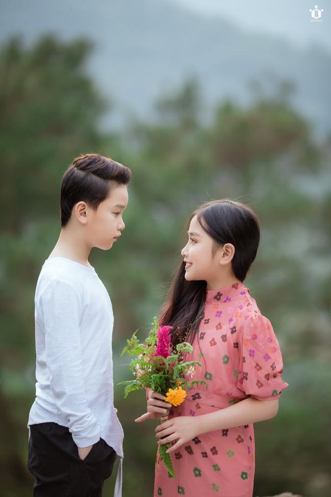 """Dân mạng """"đổ gục"""" vì """"Hạ cánh nơi anh"""" phiên bản nhí, chuyện tình lãng mạn của Se-ri và Jung Hyuk được tái hiện đẹp nao lòng - Ảnh 17."""