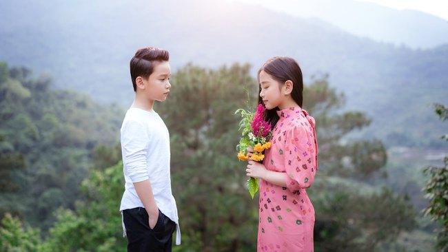 """Dân mạng """"đổ gục"""" vì """"Hạ cánh nơi anh"""" phiên bản nhí, chuyện tình lãng mạn của Se-ri và Jung Hyuk được tái hiện đẹp nao lòng - Ảnh 15."""