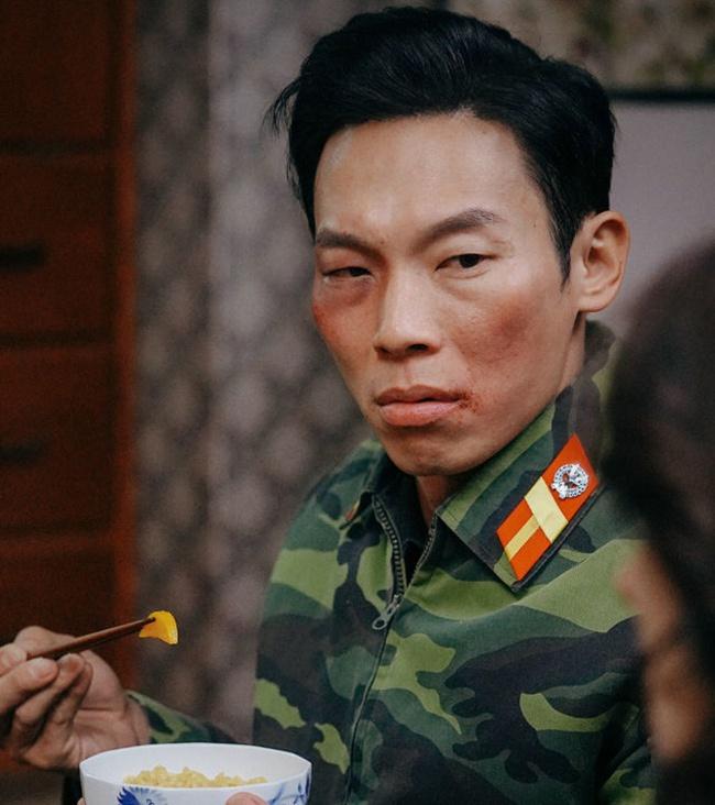 """""""Crash Landing On You"""": """"Thánh nhây"""" Pyo Chi Su tiết lộ không dám nhìn Hyun Bin vì quá đẹp trai, bật mí lý do """"ghét"""" Son Ye Jin  - Ảnh 9."""