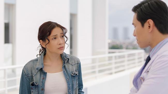 """""""Nắng 3"""" của Khả Như - Kiều Minh Tuấn: Chuyện mẹ con lừa đảo cảm động, xem ổn nhưng """"hơi thừa"""" nước mắt  - Ảnh 3."""