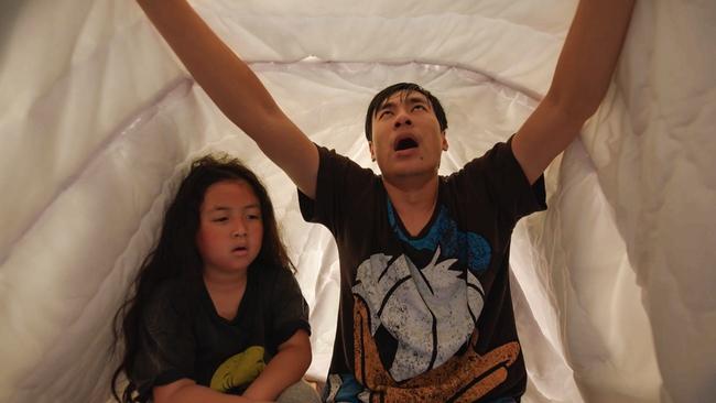 """""""Nắng 3"""" của Khả Như - Kiều Minh Tuấn: Chuyện mẹ con lừa đảo cảm động, xem ổn nhưng """"hơi thừa"""" nước mắt  - Ảnh 7."""