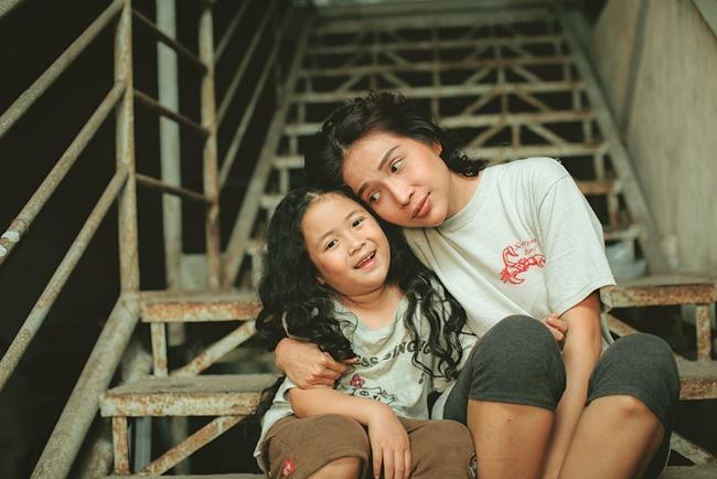"""""""Nắng 3"""" của Khả Như - Kiều Minh Tuấn: Chuyện mẹ con lừa đảo cảm động, xem ổn nhưng """"hơi thừa"""" nước mắt  - Ảnh 2."""