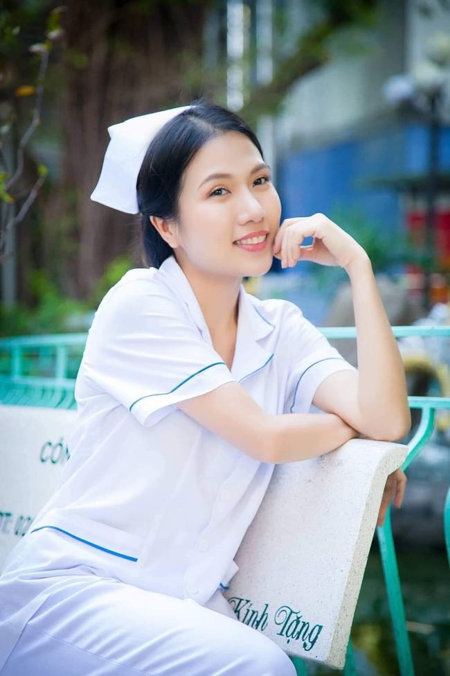 """Hết """"Hậu duệ Mặt trời"""", """"Cua lại vợ bầu"""", Thùy Dương tiếp tục làm y tá trong """"Nắng 3"""" - Ảnh 3."""