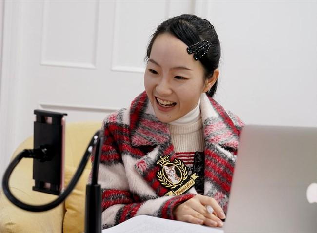 """Loạt ảnh về những đóa hồng kiên cường tại tâm dịch Vũ Hán: Khi sức mạnh của """"phái yếu"""" được chứng minh và nụ cười tích cực trước mọi khó khăn - Ảnh 7."""