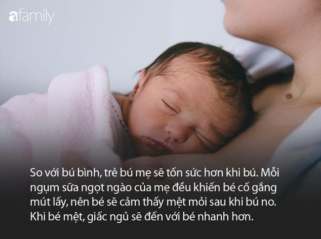 Vì sao bé nào cũng vừa bú mẹ vừa ngủ nhưng khi đặt xuống lại liền tỉnh giấc? - Ảnh 3.