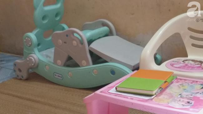 Nhìn vào những thứ đồ chơi của bé khiến ai cũng phải động lòng