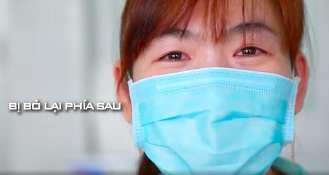 Lan Ngọc - Đức Phúc - Hồ Quang Hiếu cổ vũ Việt Nam giành chiến thắng, xúc động tự hào khi các bác sĩ, y tá xuất hiện - Ảnh 9.