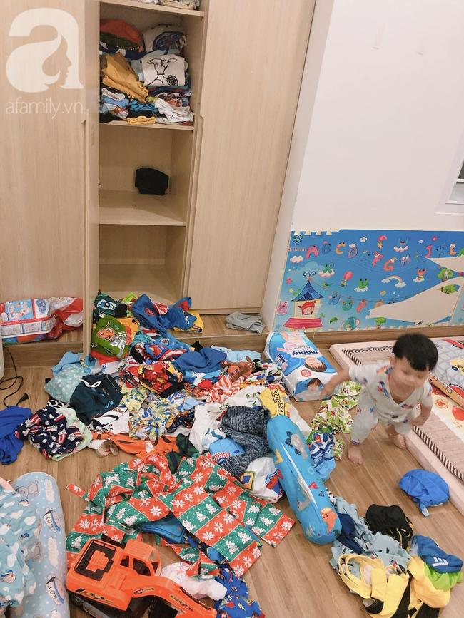 Để 2 con trai tự trông nhau đi rửa bát, mẹ Nha Trang hoảng hốt thấy căn nhà không góc nào còn nguyên vẹn, thứ bé dán lên trán mới buồn cười - Ảnh 16.