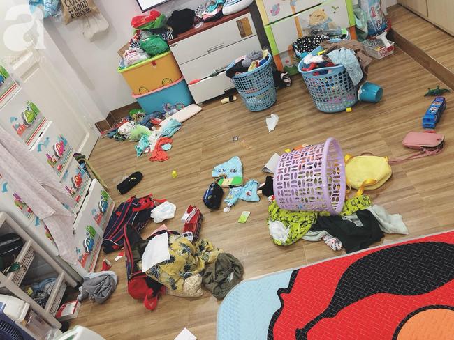 Để 2 con trai tự trông nhau đi rửa bát, mẹ Nha Trang hoảng hốt thấy căn nhà không góc nào còn nguyên vẹn, thứ bé dán lên trán mới buồn cười - Ảnh 13.