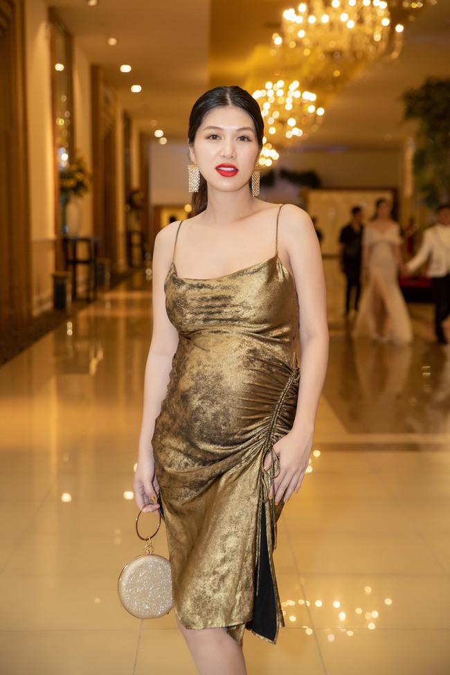 """Hoa hậu U40 sinh con lần 6 cho chồng đại gia, thông báo """"khoá sổ"""" dù ông xã thích có 10 đứa con - Ảnh 5."""