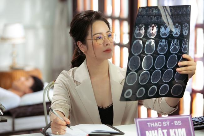 Nhật Kim Anh đóng vai nữ bác sĩ, gửi lời cảm ơn những người đứng tuyến đầu chống dịch  - Ảnh 4.