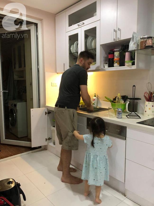 """Câu chuyện lấy chồng đầu bếp thu hút 18 nghìn like: Cô gái được """"chồng Mỹ"""" theo về Việt Nam ở hẳn và kỷ niệm lần đầu ra mắt ăn hết đùi gà vài kg khiến nhà chồng """"tròn mắt"""" - Ảnh 6."""